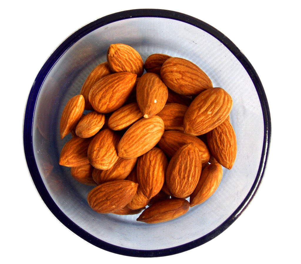 almonds-in-bowl