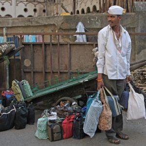 dabbawalla-transporting-tiffins