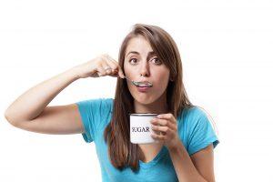 girl-eating-sugar