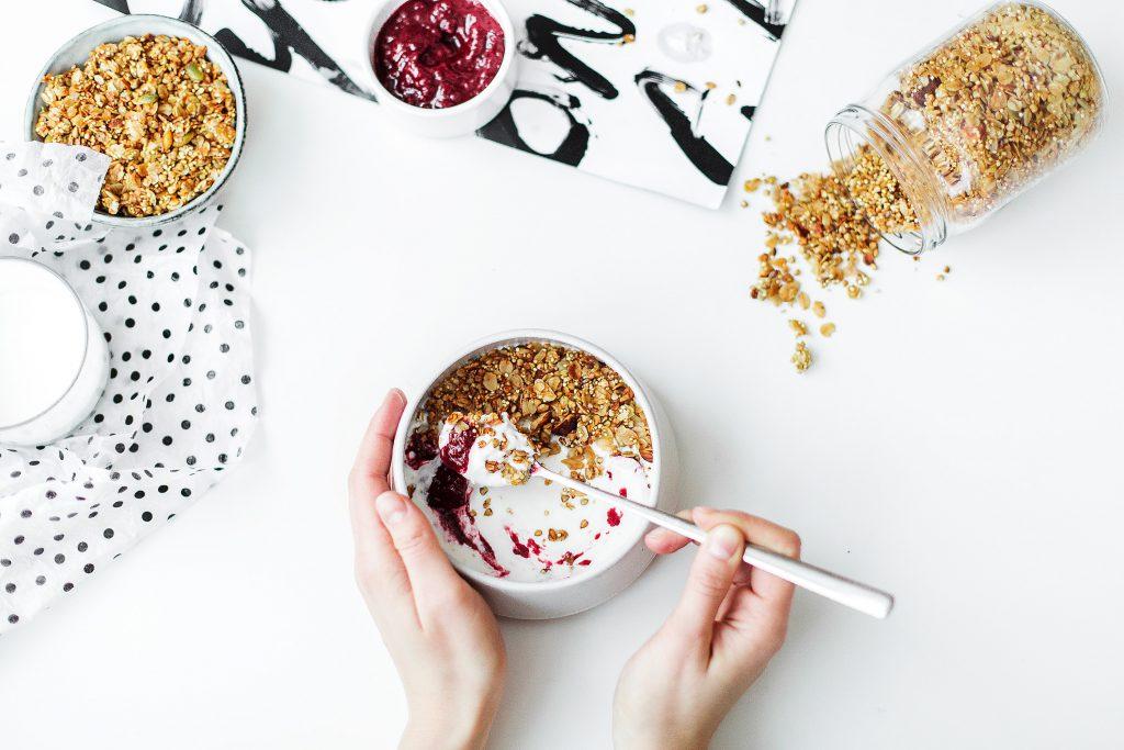 bottle-bowl-breakfast-704971 (1)