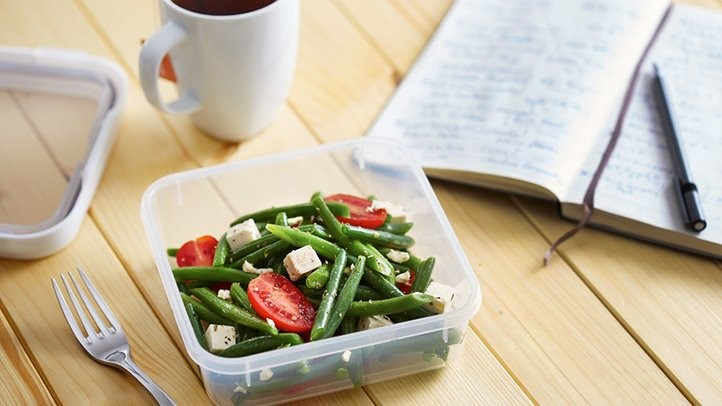 5 Tips For Eating Healthy While Travelling For Work