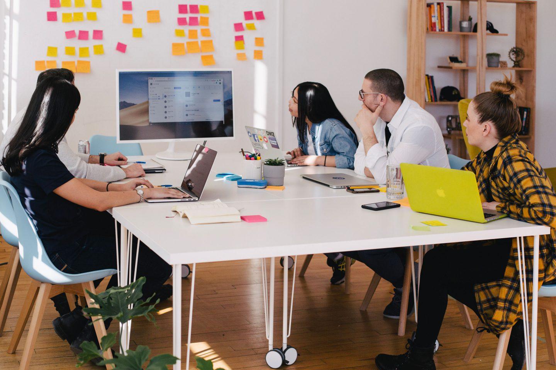 team-meeting-startup