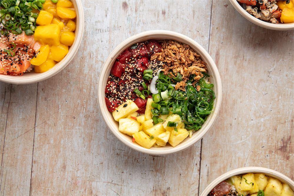 Poké bowls with pineapple and mango