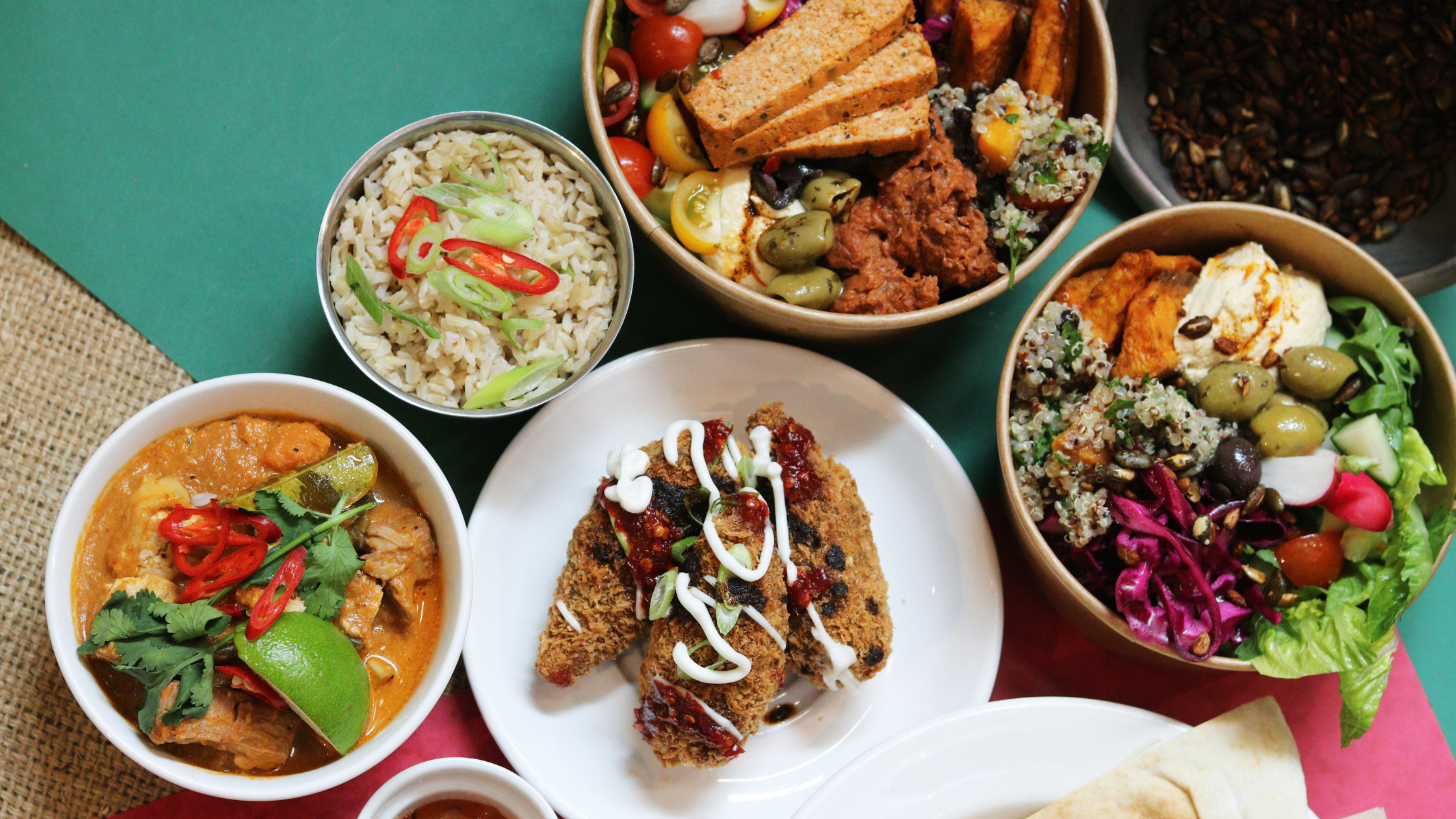 Order a team lunch with Feedr and attract your team back to the office